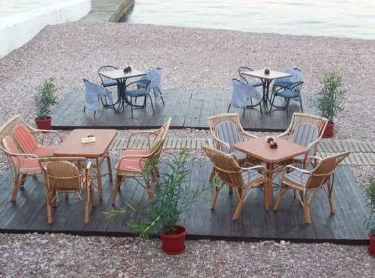 Кафе на пляжах Гурзуфа